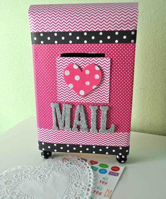 Valentine Mailbox 1